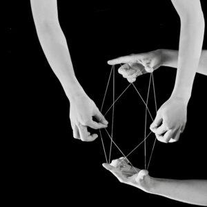Keita Mori, Strings, 2017, video en boucle, 12minutes, production Drawing Lab Paris, Courtesy the artist and Galerie Catherine Putman, Paris