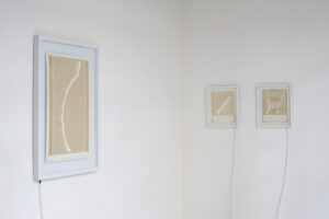 Stéfane Perraud, 11.03.2011-Côte Est de Honshu-Magnitude, 2012, or, papier, les, 9 100 x 85 cm. ©Stéfane Perraud
