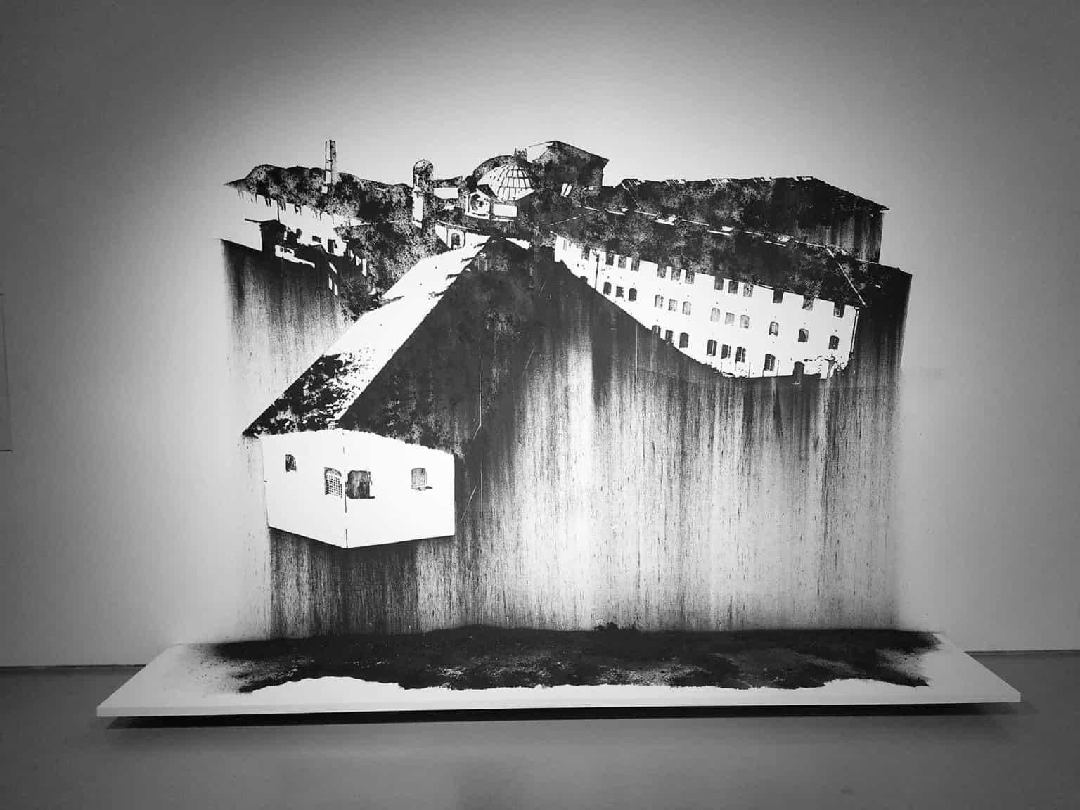 Nicolas Daubanes, Prison Saint Michel Toulouse, Dessin mural à la poudre d'acier aimantée, 200 x 280cm, 2019