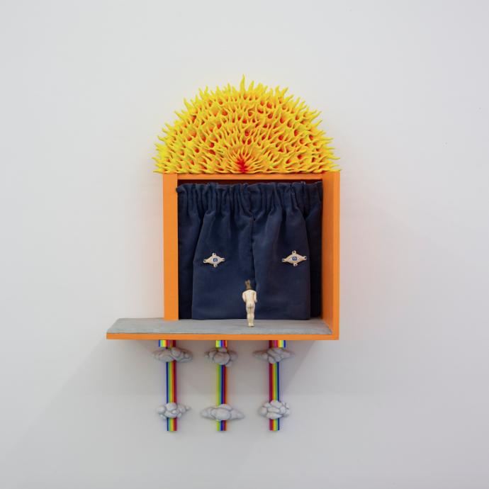 Maxime Verdier, Au fond du terrier, 2021. Bois, résine polyuréthane, tige métallique, tissu, peinture acrylique, aimants, 67,5 x 40 x 25 cm. Courtesy : Maxime Verdier et Galerie Anne-Sarah Bénichou